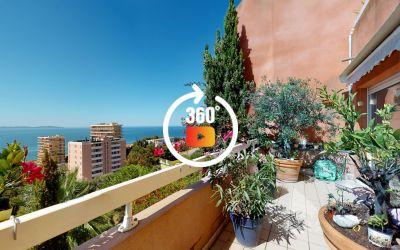 A Ajaccio, Route des Sanguinaires, Vente d'un appartement F4 de 120 m² avec terrasses de 31 m² - Vue mer et excellent état