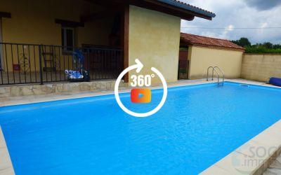 Villa récente de 295 m² (6 chambres) avec piscine et terrasse abritées sur terrain clos