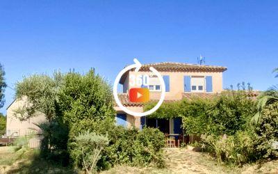 Maison d'environ 157m² avec vue imprenable sur le rocher de Roquebrune  et terrain de 3000 m²