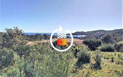 Superbe villa vue mer dans la jolie commune de Favone
