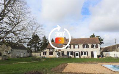 Ancien corps de ferme avec belle dépendance 388 m²